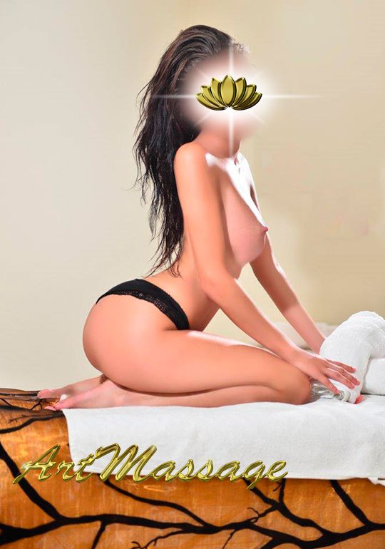erotic masseuse at hotel in marbella